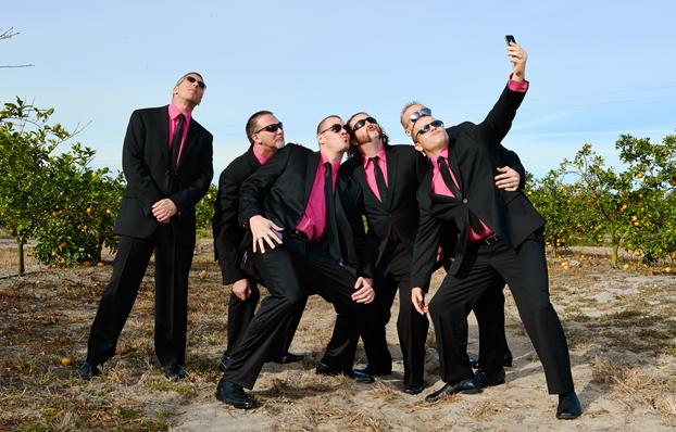 google.com_.mx-funny-moment-groomsmen-...g-day-halarious-photos-1-1