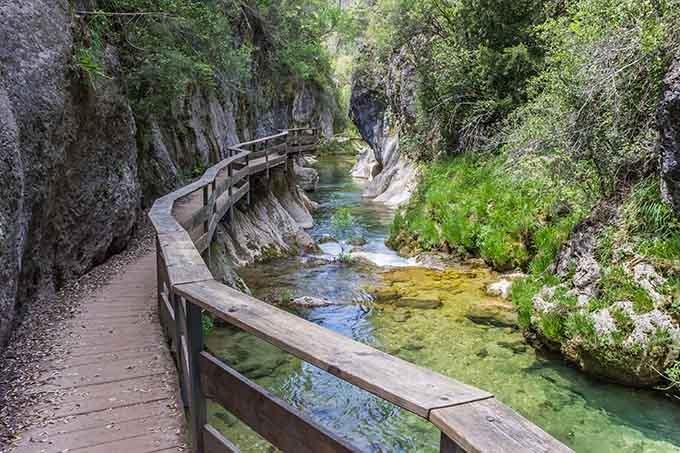 board_walk_through_cerrada_de_elias_gorge_in_cazorla_national_park_jaen_andalucia_spain_680