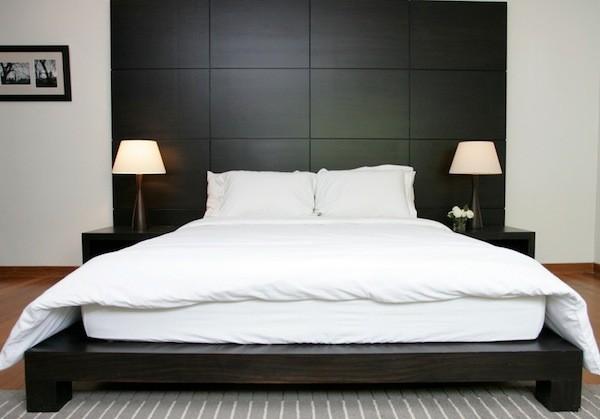 Sonar-con-una-cama-amplia-y-vacia-600x419