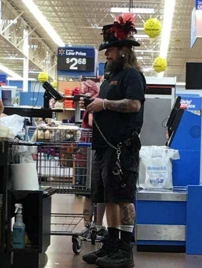 epic_clothing_fails_brought_to_you_by_people_of_walmart_640_06
