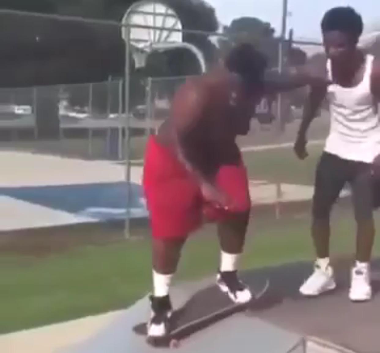 Se sube por primera vez a un skate... Â¡DOLOR! - CABROWORLD
