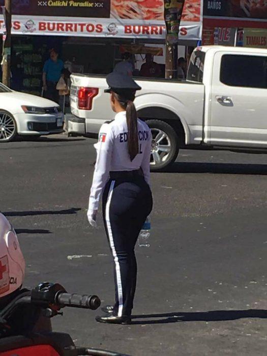 Policia de tránsito de México causa furor en las Redes