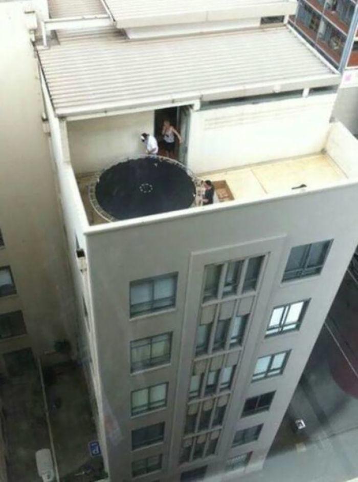 workplace-safety-fails-men-accident-waiting-to-happen-19-58cfea89c9de8__700