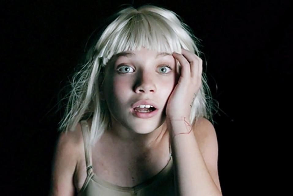 Así está actualmente la joven bailarina de los videos de SIA