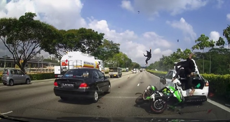 video-accidente-moto-singapur