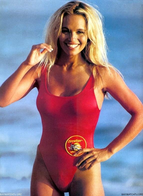 Pamela anderson posa en una campa a de ropa interior y for Ropa interior provocativa